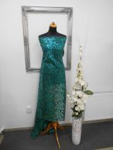 tyl vyšívaný smaragd